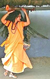 sanyasini dancing