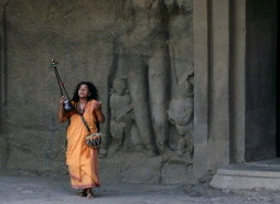 parvathy-at-the-elephanta-cave-2009
